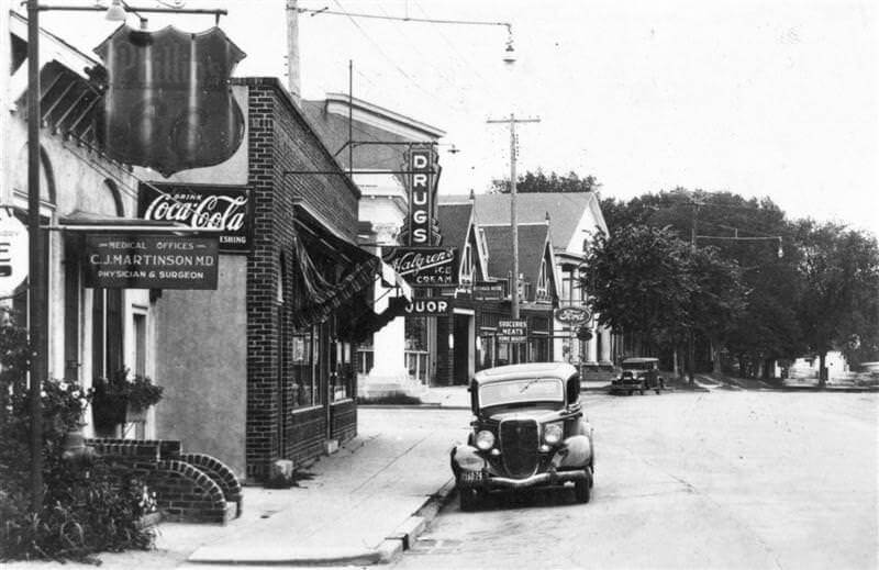 View down Lake Street in Wayzata, circa 1935.